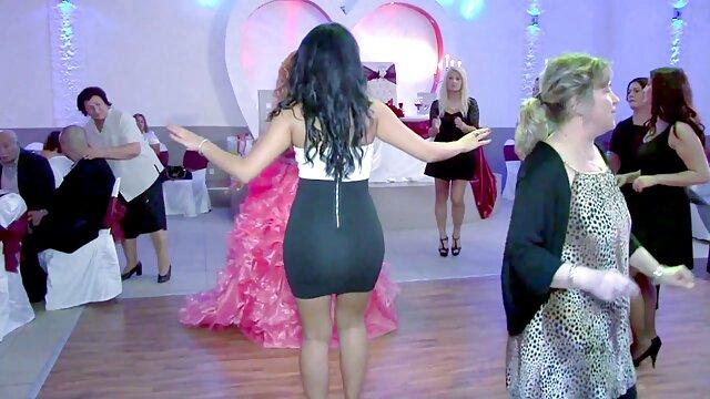 Gina Gerson 51 مینی, با شگفت ویدیو کلیپ سکسی انگیز