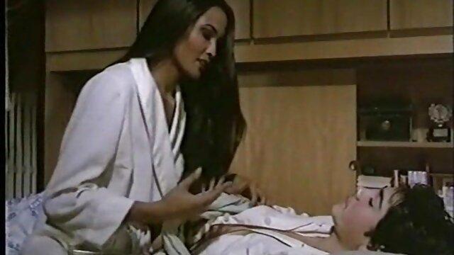Adara سکس ویدیو دانلود می شود در تمام سوراخ